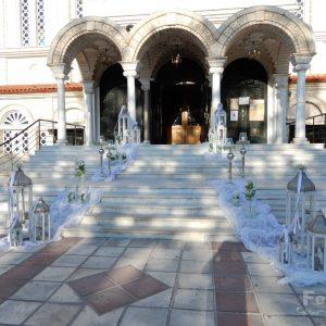 Στολισμός γάμου-σκάλες Λευκά Φανάρια και Γυάλες με νερό