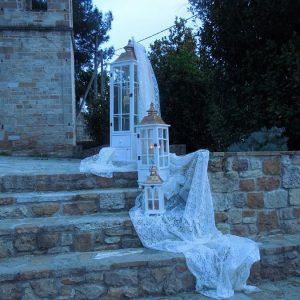 Στολισμός γάμου-σκάλες Φανάρια Λευκό-Χρυσό